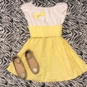Other - Goldilocks costume size 10/12 with bow